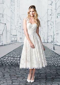 Brautkleid kurz mit viel Spitze im Vintage-Stil, Modell 8904 von Justin Alexander 2017