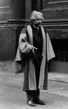 """""""La imaginación es más importante que el conocimiento. Porque el conocimiento es limitado, mientras que la imaginación abarca todo el mundo, estimulando el progreso y dando a luz la evolución"""".  Si fue dicho por Einstein a un periódico impreso en 1929, a diferencia de muchas frases atribuidas al nobel de física. Foto: CARAS"""