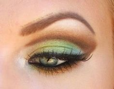 Eye shadow very nice with green