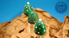 Hoy os traigo unos tiernos arboles de navidad, muy fáciles y rápidos de hacer. Navidad es una buena oportunidad para sorprender a vuestra gente y que mejor con algo bien dulce  #cakepops #christmas #repostería #navidad http://mundocakepop.com/cake-pop-navidad/cake-pop-arbol-de-navidad/