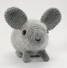 ***Please note that I sell PDF crochet patterns (see Delivery Information below), NOT completed items! As such, all sales are FINAL.***    An original crochet amigurumi chinchilla pattern by June Gilbank.    Yarn: worsted weight yarn in grey or any other chinchilla colour!    Hook: US E / 3.5mm    Size: approx 8″ long (not including tail which is 5 long!)    Details: Pattern includes full instructions to make a close to life-sized realistic crocheted chinchilla. The pattern includes 3 op...