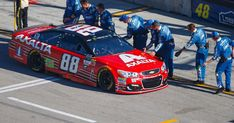NASCAR Cup Series Highlights: Crew members from every single team line up on pit road to high-five Dale Earnhardt Jr. as he rolls out onto the track for the final time.