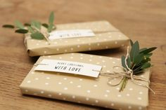 Comment faire un joli paquet cadeau facilement ? - The Best Holidays and Events Trends and Ideas Nautical Christmas, Winter Christmas, Christmas Time, Homemade Christmas Gifts, Christmas Presents, Gift Wraping, Diy Crafts To Do, Wrapping Ideas, Christmas Wrapping