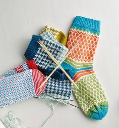 SoxxBook by Stine & Stitch Knit Mittens, Mitten Gloves, Knitting Socks, Baby Knitting, Knit Socks, Beer Socks, Rainbow Dog, Knit Baby Booties, Yarn Inspiration