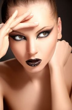 Minus the black lipstick, if I could do these eyes on myself everyday and get away with it... I WOULD!