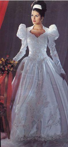 45 Ideas wedding dresses vintage bridal for 2020 Beautiful Wedding Gowns, Dream Wedding Dresses, Bridal Dresses, Beautiful Dresses, Vintage Gowns, Vintage Bridal, 1980s Wedding Dress, Bridal Style, Marie