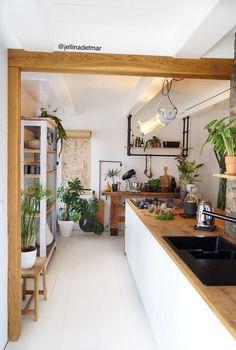 vintage home decor ideas 25 Home Decor Kitchen, Room Interior, Interior Design Living Room, Home Kitchens, Living Room Decor, Tuscan Kitchens, Craftsman Interior, Kitchen Modern, Home Decor Styles