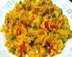 arroz con pollo Rice Dishes, Main Dishes, Arroz Frito, Deli Food, Latin Food, Fried Rice, Guacamole, Tapas, Healthy Life