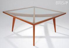 Produzida à partir de madeira de demolição, a mesa Istmo da Brisa Móveis ficaria perfeita em sua sala de jantar!