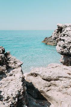 Tous nos conseils et astuces pour organiser un road trip en Albanie, entre montagnes et plages paradisiaques…