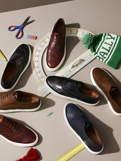Shop our range of designer men's shoes. Discover our latest collection of boots, brogues, moccasins and loafers on the official Bally website. Loafer Shoes, Men's Shoes, Shoe Boots, Dress Shoes, Shoes Jordans, Shoes Style, Loafers Men, Shoes Sneakers, Men Shoes With Jeans