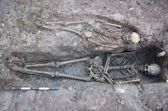 Archaeologists recently unearthed the remains of eight people that may be related to a medieval knight (2013 Edinburgh, Scotland)