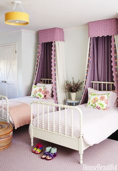 Krista Ewart designed her Pacific Palisades house with kids and commotion in mind. Canopies made of natural linen and Raoul Textiles' Coverlet dress up vintage beds in the eldest daughter's room. Cama Vintage, Girls Bedroom, Bedroom Decor, Bedroom Ideas, Purple Bedrooms, Bed Ideas, Bedroom Designs, Nursery Ideas, Childrens Room
