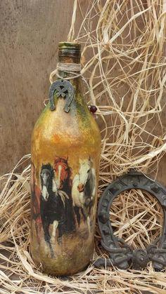 Decoupage Glass, Decoupage Art, Recycled Wine Bottles, Wine Bottle Crafts, Bottle Painting, Bottle Art, Bottles And Jars, Glass Bottles, Altered Bottles