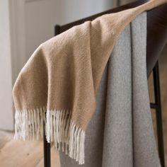 Een heerlijk zachte plaid van baby alpaca, één van de zachtste soorten wol. 262 Baby Alpaca, Plaid, Textiles, Blanket, Deco, Vintage, Autumn, Winter, Bedding