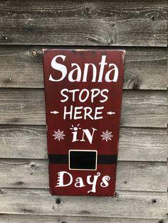 Classy Christmas Diy Pallet Plaque Ideas For Your Trending Decor Days Till Christmas, Classy Christmas, Christmas Countdown, Christmas Crafts, Christmas Decorations, Christmas Ornaments, Santa Countdown, Christmas Ideas, Wood Decorations