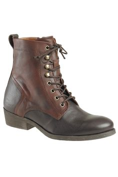 Lace up boots / kickers