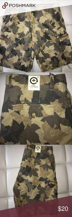 LRG Cargo Shorts Size: 38 LRG Shorts Cargo