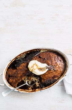 We've made chocolate self-saucing pudding even more indulgent by adding rich Baileys Irish cream. Hot Desserts, Dessert Recipes, Self Saucing Pudding, Pudding Cake, Pudding Recipes, Tray Bakes, Sweet Recipes, Sweet Tooth, Sweet Treats