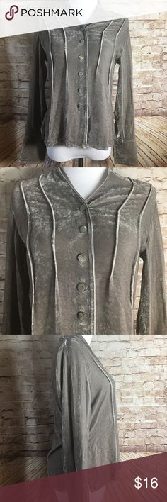 "✨J.Jill✨ J.jill Womens shirt gray crushed velvet long sleeve button down silk size xsp   Good Pre-owned condition No rips, tears, marks or stains Please see pictures for details   Laying flat  Armpit to armpit 18""  Full length 25"" J. Jill Tops"