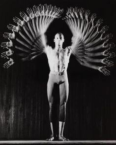 Harold E. Edgerton - Gustave Solomons - Dancer, 1960. Movement