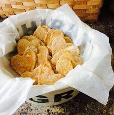 Hundekekse selbstgemacht. Schnelle Rezepte. | Tierischer-Urlaub.com Snack Recipes, Snacks, Chips, Ethnic Recipes, Food, Quick Recipes, Homemade, Food Food, Cats