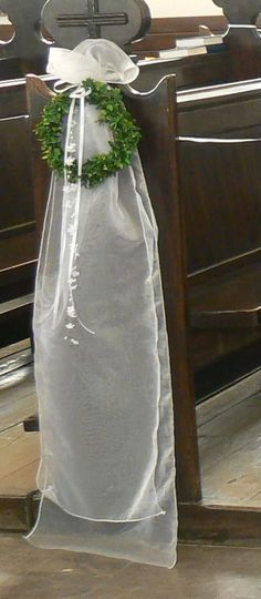 dekoracja kościoła na komunię - Szukaj w Google Floral Wedding, Wedding Flowers, Church Aisle, Church Wedding Decorations, Wedding Flower Arrangements, All Flowers, First Communion, Flower Crafts, Wedding Designs