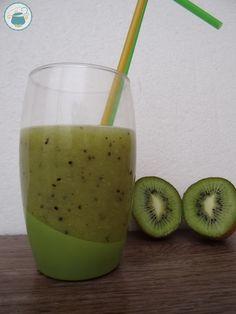 Smoothie kiwi e ananas al cocco