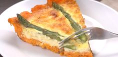 Take a look at how our version of the sweet potato quiche comes together. And feel free to drool; Best Brunch Recipes, Breakfast Recipes, Favorite Recipes, Breakfast Dishes, Summer Recipes, Sweet Potato Tater Tots, Potato Tots, Potato Puffs, Veggie Recipes