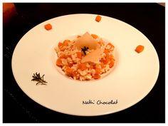 Pour 4/5 personnes - 400 g de riz arborio - 500 g de courge butternut - 70 g de parmesan râpé - 1 échalote - 3 cuillères à soupe d'huile d'olive - 15 cl de vin blanc - 1 dosette de safran - Bouillon - Sel & poivre Eplucher la courge et la couper en petit...