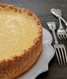 Mmmm... this looks worth trying! RECIPE: Lemon curd tart with coconut crust