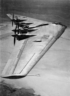 """Northrop YB-35 experimental flying wing heavy bomber, which also featured """"pusher"""" piston engines driving counter-rotating propellers, an all-around radical design, which sadly was hindered due to the sheer amount of innovations it featured. A jet-powered version, the YB-49, would become a further development of this concept."""