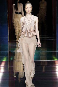 Balmain Spring 2016 Ready-to-Wear Fashion Show - Lindsey Wixson (Elite)