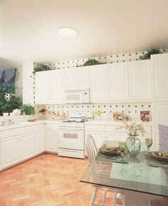 Kitchen After Dark Bathrooms, Beautiful Space, Room Interior, Kitchen Cabinets, Living Room, Inspiration, Home Decor, Restaining Kitchen Cabinets, Biblical Inspiration