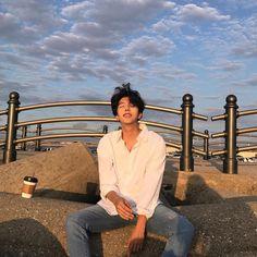 What a pretty man cx - The wolf that kills Korean Boys Ulzzang, Cute Korean Boys, Asian Boys, Ulzzang Girl, Beautiful Boys, Pretty Boys, Cute Boys, Korean Fashion Men, Korean Men