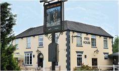 The Cuttle Inn, Long Itchington, moorings adjacent Local Pubs, Pubs And Restaurants, Village Inn, Tudor House, Beer Garden, 15th Century, Cosy, Traveling By Yourself, England