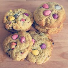 Mini Eggs are my weakness. I can't walk past a bag in a shop and not buy them so last week we combined them with a cookie recipe to create these yummy Mini Egg Cookies. We first used this easy cookie recipe a few months ago when we mad...