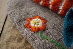 Finishing the Ends of Yarn: Reversible Shetland-Wool Gloves Tutorial 2