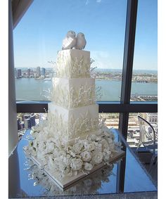 The Most Elaborate Wedding Cakes Ever. - Dujour