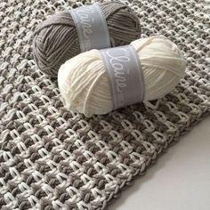 The granite stitch; Crochet Diy, Tunisian Crochet, Crochet Shawl, Crochet Stitches, Cosas American Girl, Knitting Patterns, Crochet Patterns, Knitted Blankets, Crochet Scarves
