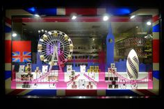 Vitrines Fauchon - Paris, juillet 2012  www.instorevoyage.com   #in-store marketing #visual merchandising