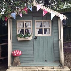 Lovely pretty garden shed / summer house Photo by mrs_button on Instragram