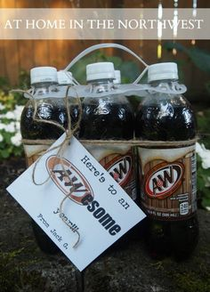 Look-- more A&W root beer. One thing that is going for this gift is the size. When giving soda, give individual sizes. When giving soda, do NOT give root beer or other less popular sodas unless you have confirmation that the teacher likes it. Male Teacher Gifts, Teacher Treats, Male Teachers, Teacher Presents, Volunteer Appreciation, Teacher Appreciation Week, Homemade Gifts, Diy Gifts, School Teacher
