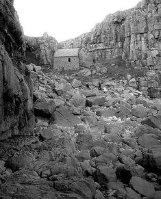 St Govan's Chapel in Pembrokeshire Coast National Park, Wales Alone, Welsh Castles, Pembrokeshire Coast, Medieval Houses, South Wales, Wales Uk, Place Of Worship, 14th Century, Pilgrimage