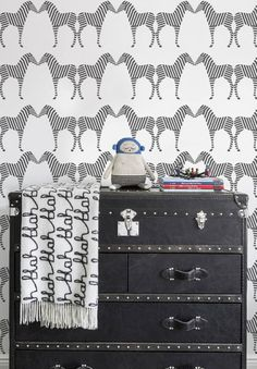 SISSY + MARLEY Zee wallpaper in charcoal Balthazar / Luckyboysunday doll