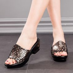 Women Slipper's 2019 Ladies Summer Slippers Shoes Women high Heels Fashion Rhinestone summer shoes new arrived Outfit Accessories From Touchy Style High Heel Sneakers, Summer Sneakers, Summer Shoes, Trendy Shoes, Casual Shoes, Discount Womens Shoes, Frauen In High Heels, Summer Slippers, Shoes