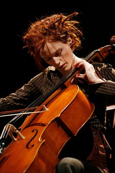 cellist and composer Zoë Keating uses live electronic sampling and repetition to layer the sound, creating rhythmically dense musical structures.