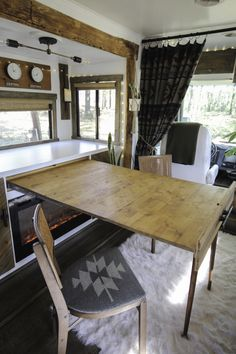 Expandable Dining Table, Diy Dining Table, Building Furniture, Modular Furniture, Rv Table Ideas, Room Ideas, Camping Car, Camping Foods, Camper Ideas
