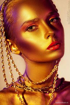 Goldilocks Closet Body Makeup, Makeup Art, Hair Makeup, Gold Face Paint, Shades Of Gold, Burgundy And Gold, Fantasy Makeup, Golden Girls, Costume Makeup