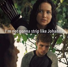Peeta : ok then,go ahead,I just stand over there. Goes behind tree and watches,CLOSELY Katniss: PEETA! Peeta: sorry sorry Hunger Games Jokes, The Hunger Games, Hunger Games Fandom, Hunger Games Catching Fire, Hunger Games Trilogy, Katniss And Peeta, Katniss Everdeen, Juegos Del Ambre, Tribute Von Panem